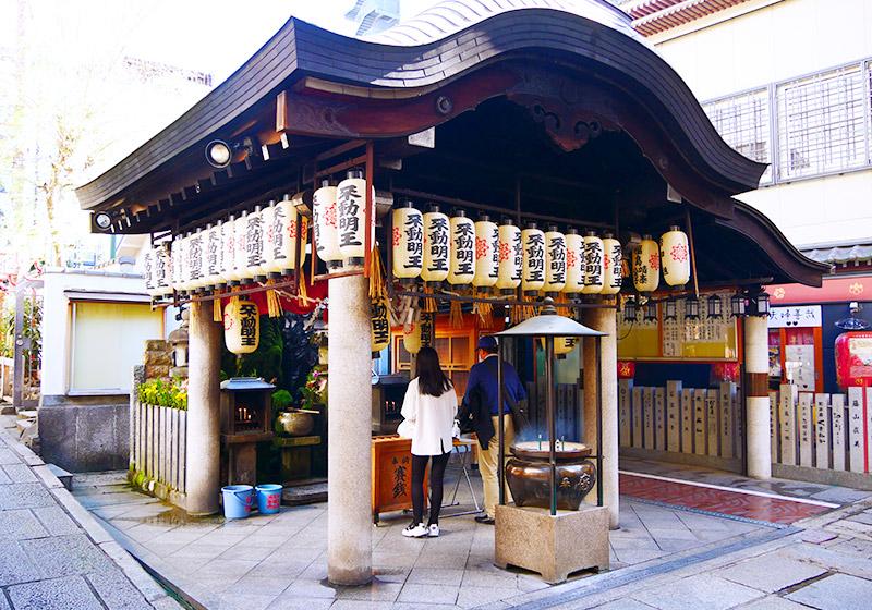 大阪ミナミの法善寺