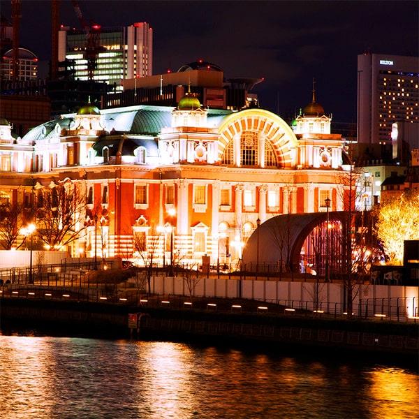 大川から眺める大阪市中央公会堂の夜景