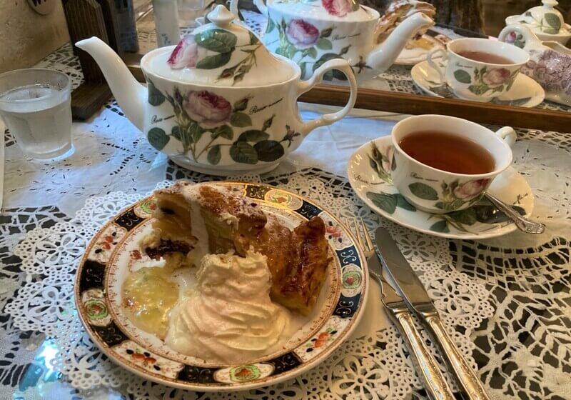 レストランポントオーク 紅茶とアップルパイ