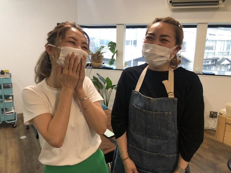 Lamana店長の庄司名津美さんとちゅっちゃん